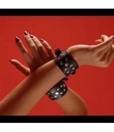 Декоративные наручники на кожаной подкладке