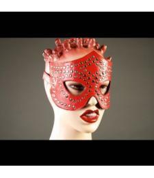 Красная маска-очки с фурнитурой в виде заклепок